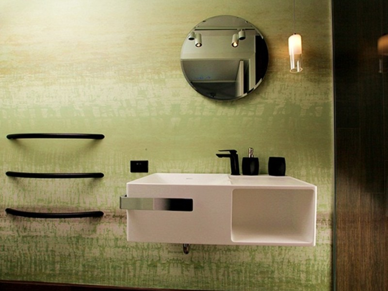 interior-design-ensuite-bathroom-wallpaper